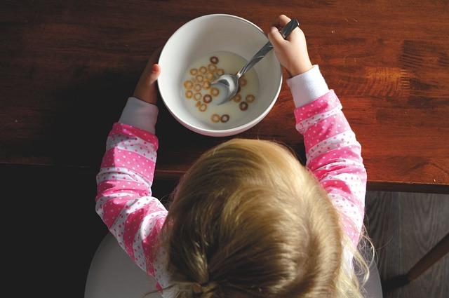 Sposoby na niejadka – jak zachęcić dziecko do jedzenia?