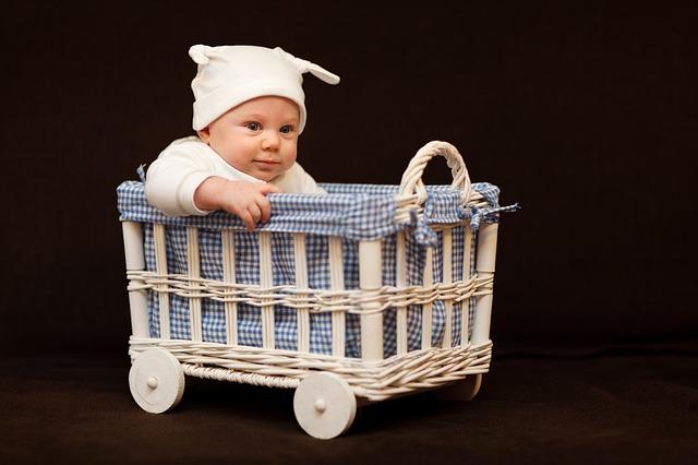 Jak przygotować się do podróży z niemowlakiem?